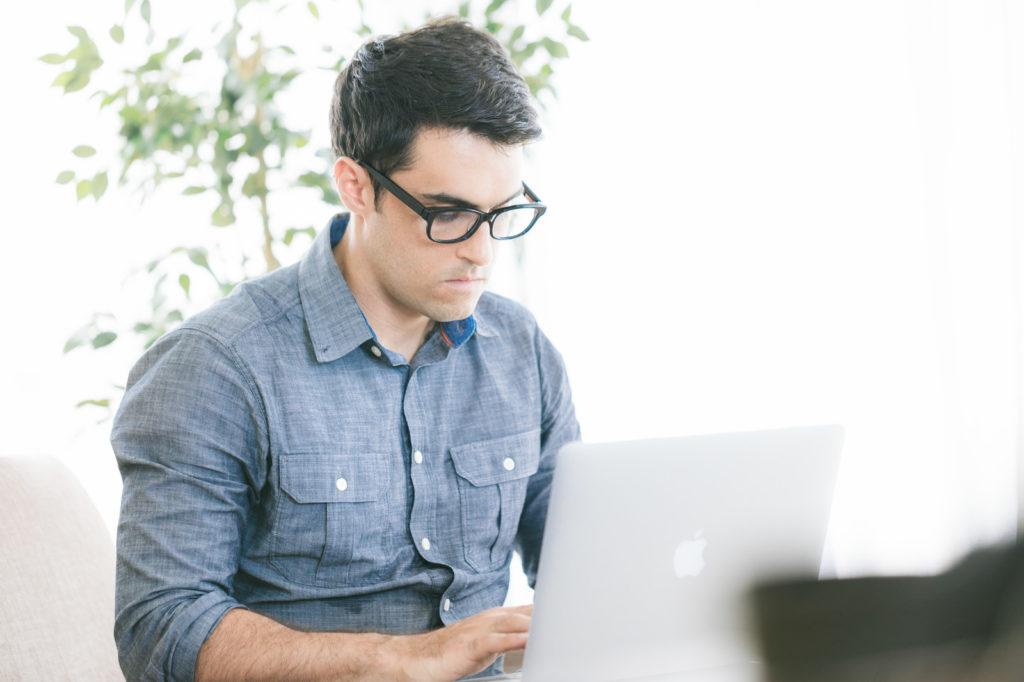 プログラミングは独学ではなくしっかり学ぶ