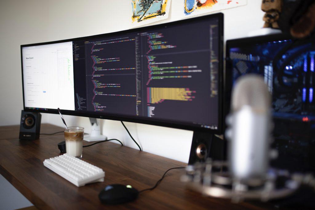 プログラミングを無料で学ぶならオンライン講座がおすすめ